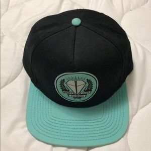 Diamond supply snap back with original tag